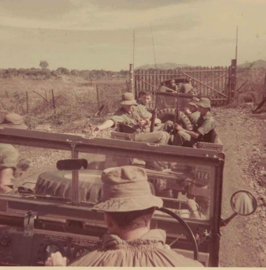 1 FD SQN convoy at gates to Horseshoe 1969