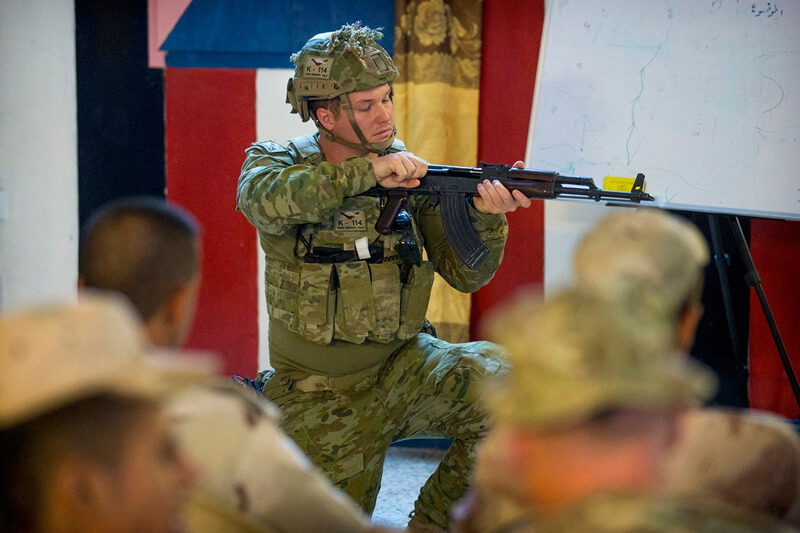 CPL L. Albion instructing the Iraqi Army's Bridging Battalion.